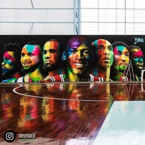 Neymar pokazał jak wygląda jego boisko do koszykówki