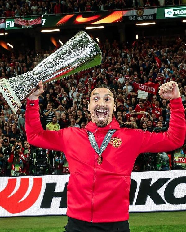 Zlatan Ibrahimovic kontuzjowany! Szwed może przegapić mecz z Manchesterem United