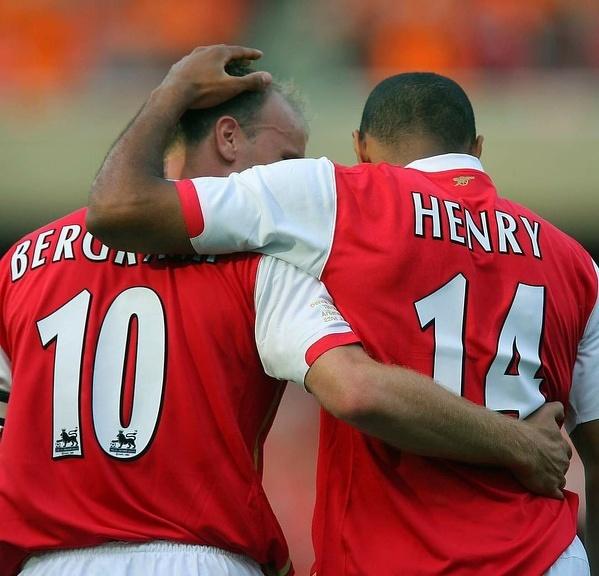 Jeden z najlepszych duetów w historii, Thierry Henry i Dennis Bergkamp