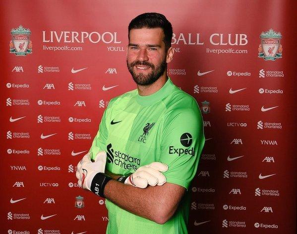 Alisson przedłużył kontrakt z Liverpoolem do 2027 roku