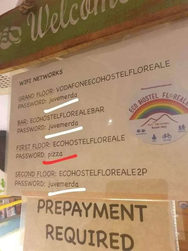 Tak się ustawia hasła do Wi-Fi w Neapolu