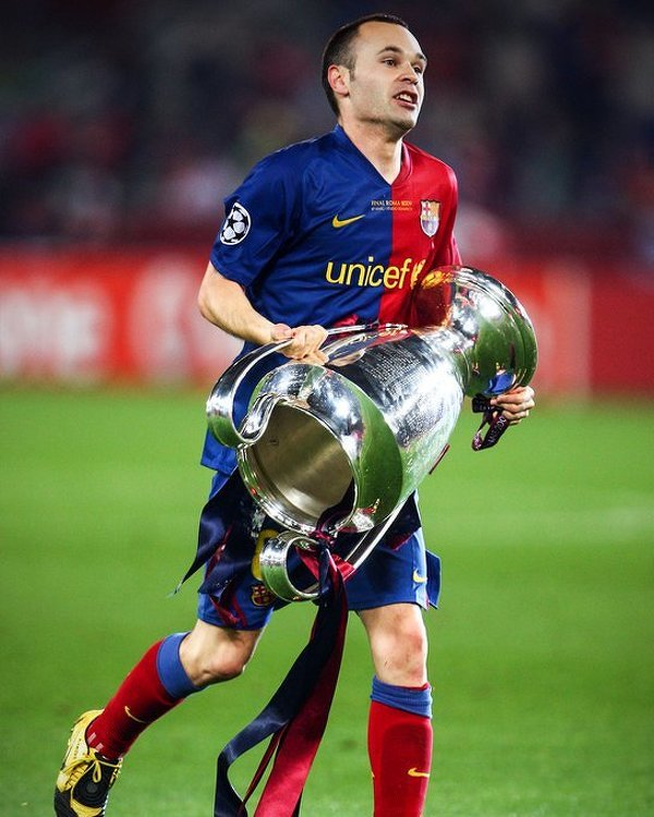 Tego dnia 25 lat temu Andres Iniesta został piłkarzem Barcelony