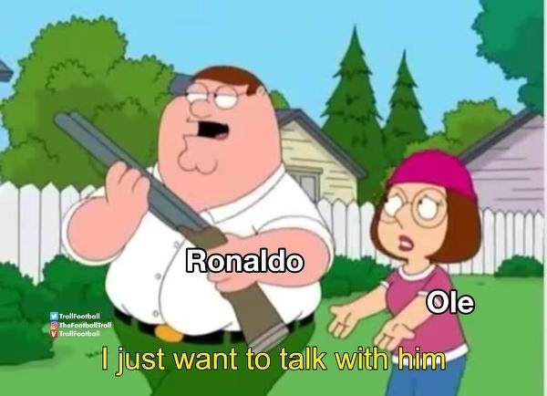 Ronaldo idący do szatni na spotkanie z Bruno Fernandesem