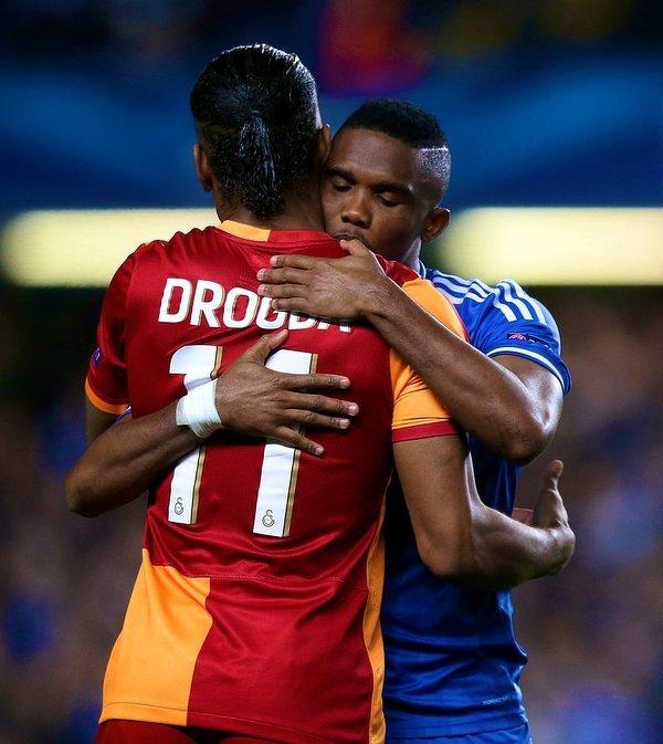 Dwie legendy afrykańskiej piłki