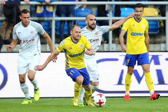 Napastnik Arki Gdynia: Przyszło nam grać na takim boisku i może dlatego mecz nie był piękny