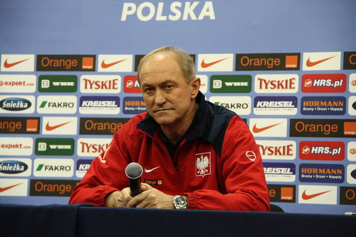 """""""Ch**a grają, opie**olimy ich"""". Euro 2012, czyli historia zepsutego święta futbolu"""