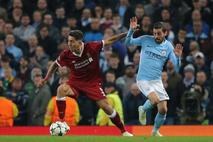 Barcelona szuka piłkarza, który w przyszłości mógłby zastąpić Suareza. Firmino na liście życzeń