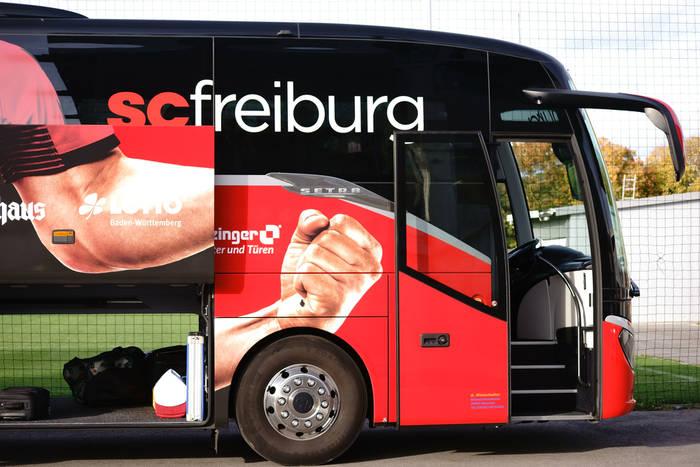 Obrońca Freiburga na celowniku dużych klubów. AC Milan, Benfica i Tottenham wśród zainteresowanych