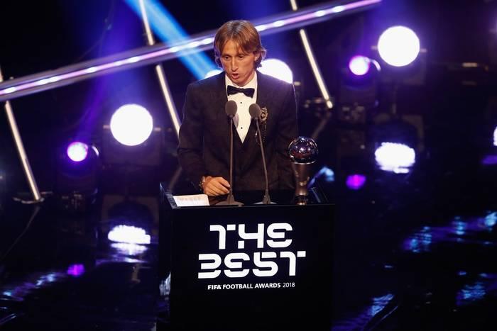 """""""To obciach, że Messi i Ronaldo nie przyjechali na galę, by pogratulować Modriciowi"""". Komentarze po wyborze Modricia na piłkarza roku"""