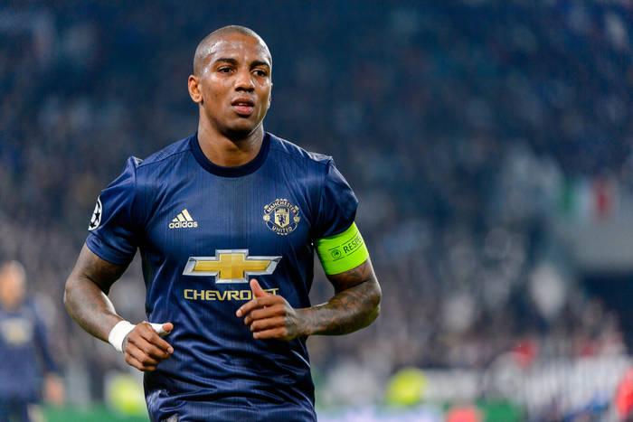 Koniec sagi transferowej na linii Manchester United - Inter Mediolan. Ashley Young zmienia klub