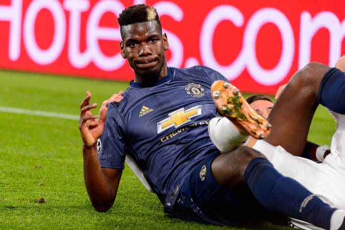 Manchester United zawiódł w meczu z osłabionym PSG. Czerwona kartka Pogby. Zwycięstwo AS Romy [WIDEO]