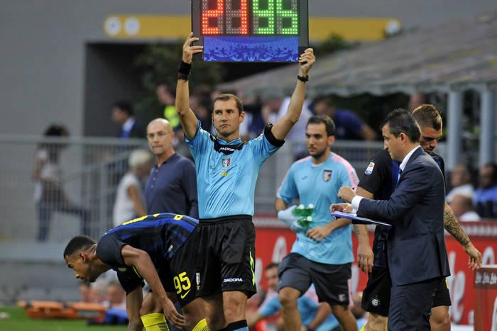 IFAB wprowadza zmiany w przepisach. Będzie 5 zmian w trakcie meczu