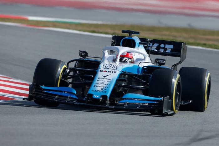 Kubica najgorszy w sesji kwalifikacyjnej do Grand Prix Australii. Polakowi pękła opona na kluczowym okrążeniu