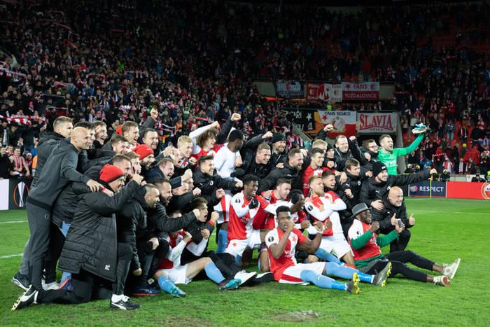 Slavia świętuje po zwycięstwie z Sevillą