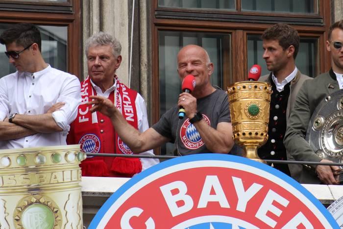 Wielka ankieta wśród piłkarzy Bundesligi. Robert Lewandowski przepadł, Messi i Klopp zmiażdżyli konkurencję