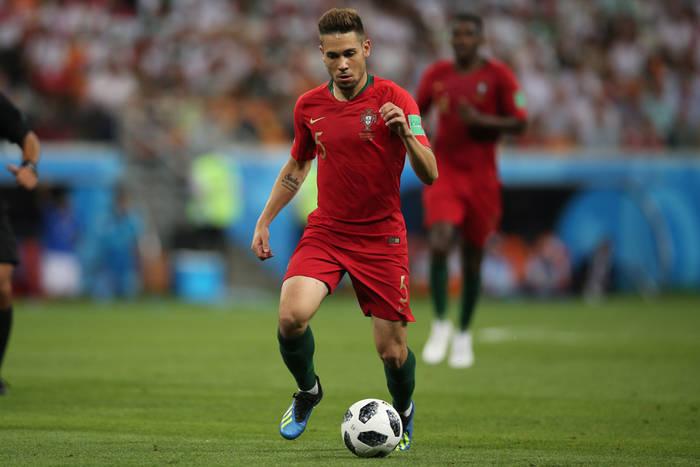 Raphael Guerreiro bliski podpisania nowego kontraktu z Borussią Dortmund