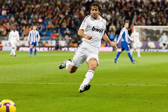 Raul trenerem w Bundeslidze? Legendarny napastnik kandydatem na szkoleniowca Schalke