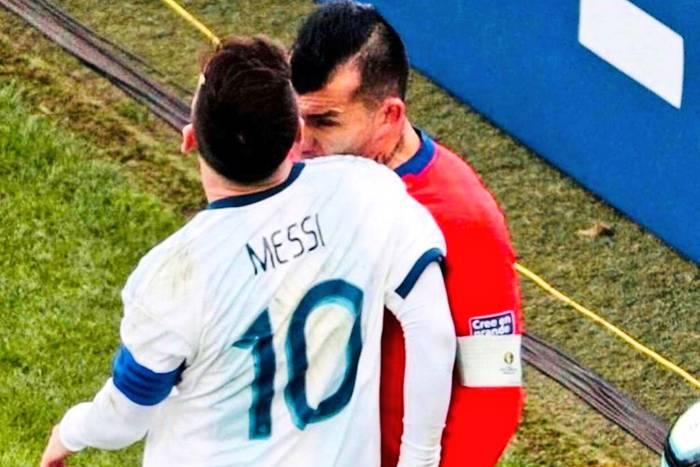 Gary Medel Lionel Messi