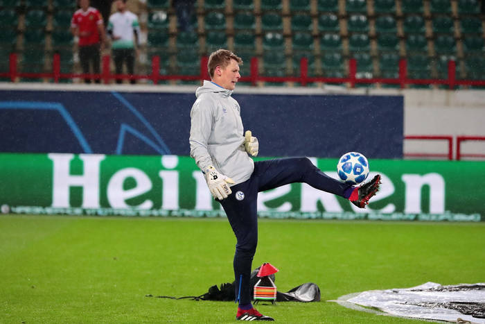 Alexander Nuebel nie zamierza dłużej czekać, chce wypożyczenia z Bayernu. Efektem problem polskiego bramkarza?