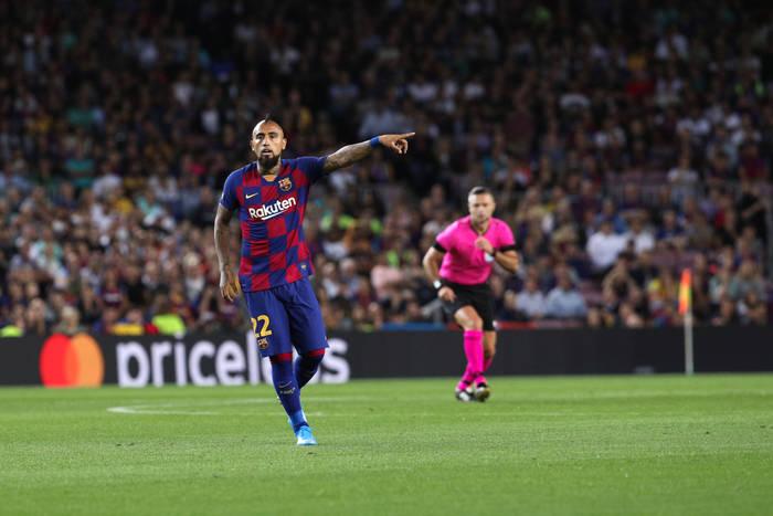 Arturo Vidal zimą odejdzie z Barcelony?