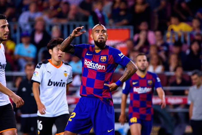 """Arturo Vidal wybrał najlepszych piłkarzy, z którymi grał. """"To boiskowy potwór. Był dla mnie jak brat"""""""