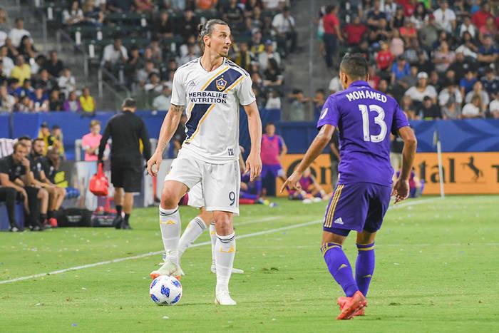 Zlatan Ibrahimović nie dla Milanu? Klub traci nadzieję na pozytywny finał rozmów