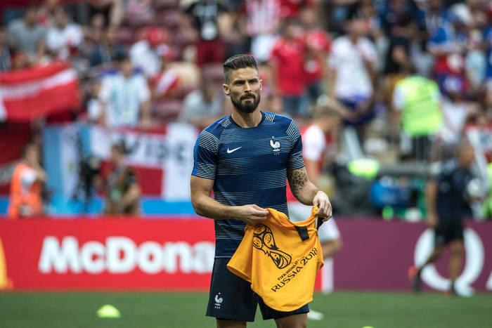Gael Clichy o sytuacji Oliviera Giroud w Chelsea: Koniecznie musi znaleźć sobie nowy klub