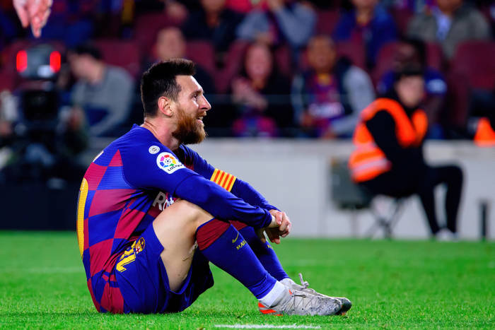 """Ostre słowa hiszpańskich mediów po kolejnym remisie FC Barcelony. """"Wywiesili białą flagę"""""""