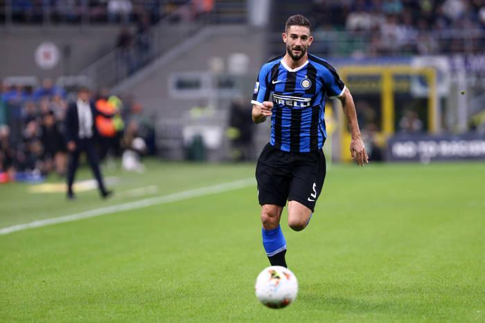 Kontuzja pomocnika Interu. Nie zagra w meczu z Barceloną