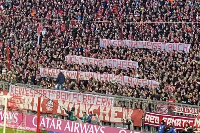 """Protest kibiców Bayernu Monachium. """"Nie podążajmy za każdym gów*** dla pieniędzy"""""""