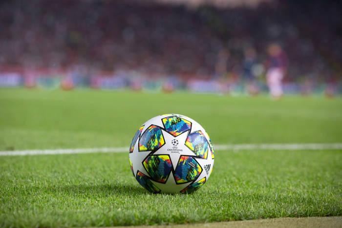 Media: UEFA zaoferowała wielkie pieniądze za opuszczenie Superligi. Kontrowersyjne działania federacji