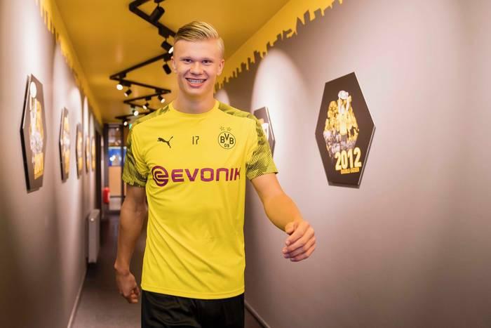 Wejście smoka Erlinga Haalanda w Borussii Dortmund! Hat-trick Norwega w debiucie [WIDEO]