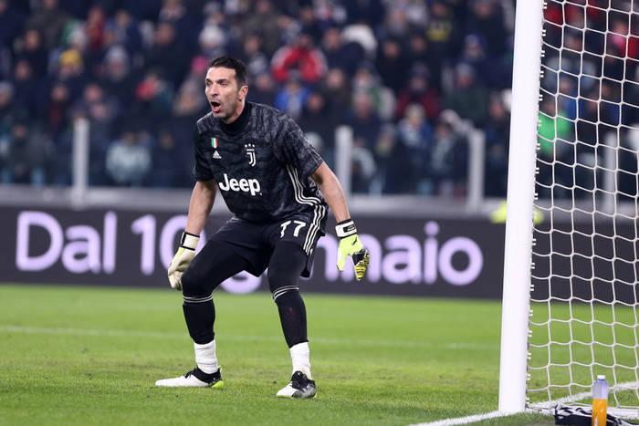 Juventus w półfinale Pucharu Włoch! Gianluigi Buffon z samobójem [WIDEO]