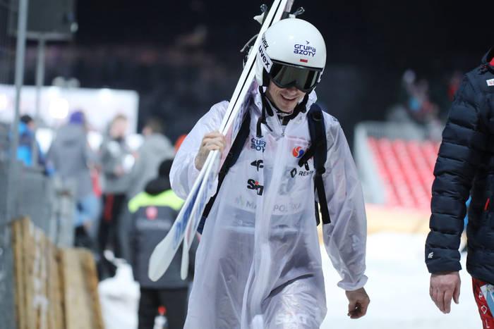 Klasyfikacja generalna Pucharu Świata w skokach narciarskich. Piotr Żyła awansował do pierwszej dziesiątki