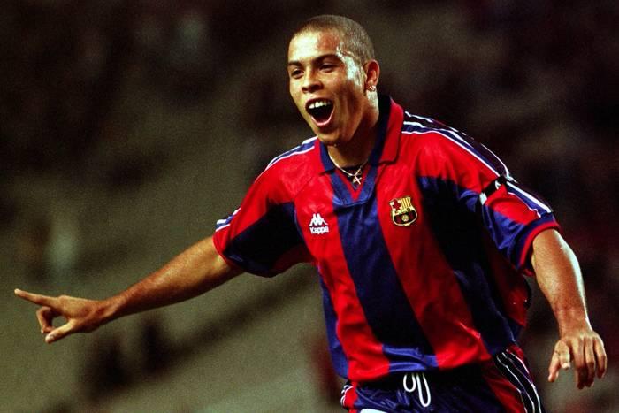 """""""Był lepszy niż Messi, Cristiano i Neymar razem wzięci"""". Kataloński rozdział Ronaldo, pełen artyzmu i awantur"""