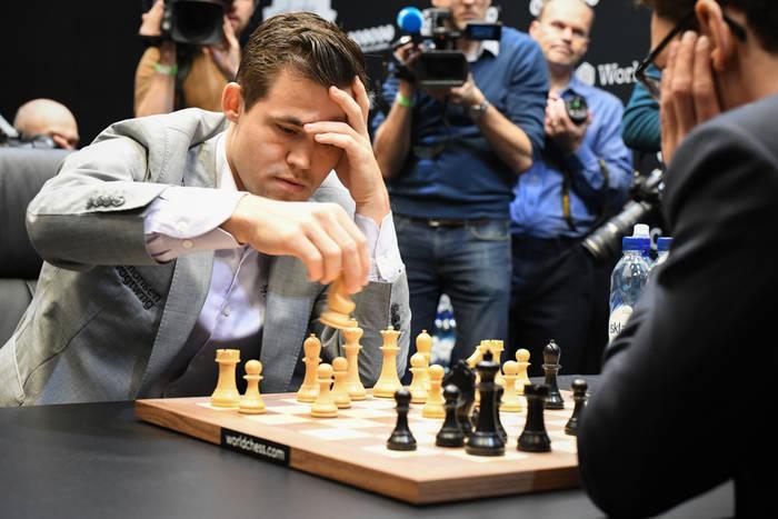 Wielki sukces polskiego szachisty. Pokonał mistrza świata