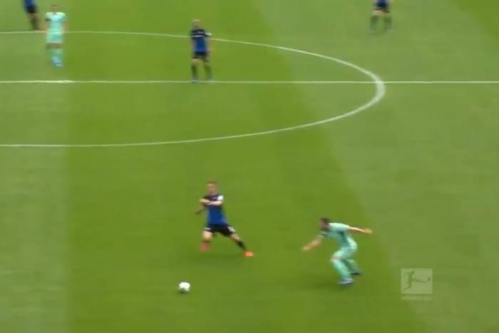 Koszmarny błąd obrońcy Hoffenheim. Piłkarz Paderborn kapitalnie wykorzystał szansę [WIDEO]