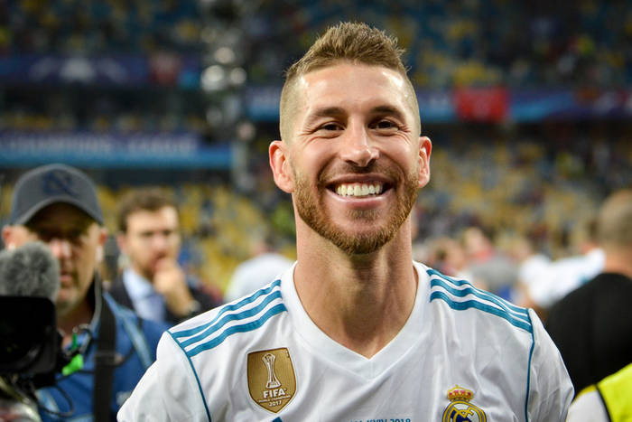 Nowy kandydat na następcę Sergio Ramosa, wielka kasa dla Oezila, ruch w Barcelonie [Przegląd Transferowy #11]