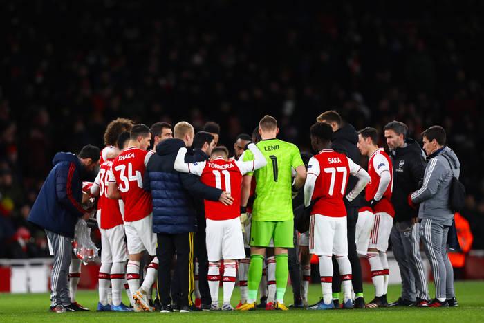 Arsenal chce się wzmocnić, próbuje sprowadzić trzech Brazylijczyków. Piłkarze wściekli na zwolnienia w klubie