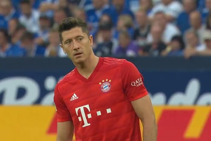 Wybrano dziesięć najładniejszych goli z rzutów wolnych w Bundeslidze. Robert Lewandowski wyróżniony [WIDEO]