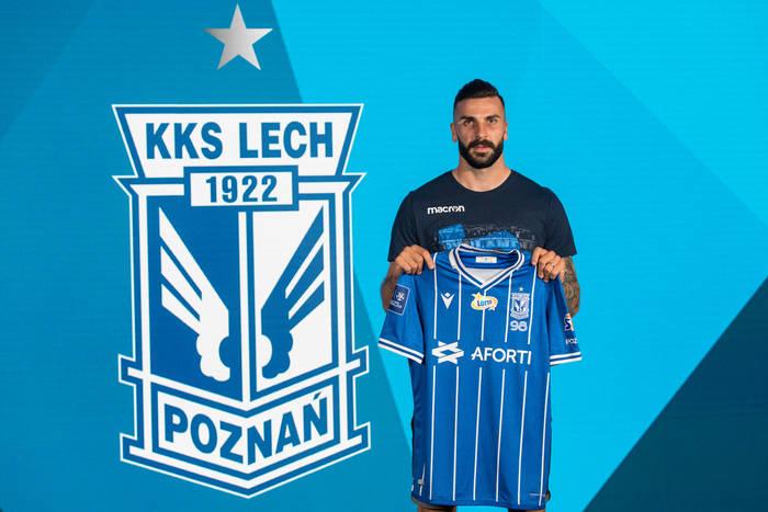 """Lech Poznań ogłosił transfer nowego napastnika. Mikael Ishak zawodnikiem """"Kolejorza"""""""