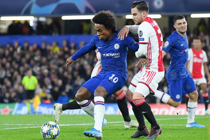 Media: Willian na pewno odejdzie z Chelsea. Arsenal przygotowuje trzecią ofertę, dwa kluby w grze o piłkarza
