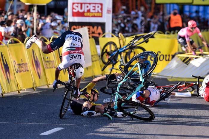 """Ostre reakcje kolarskiego świata po wypadku w Tour de Pologne. """"Musi trafić do więzienia. Idę do sądu!"""""""