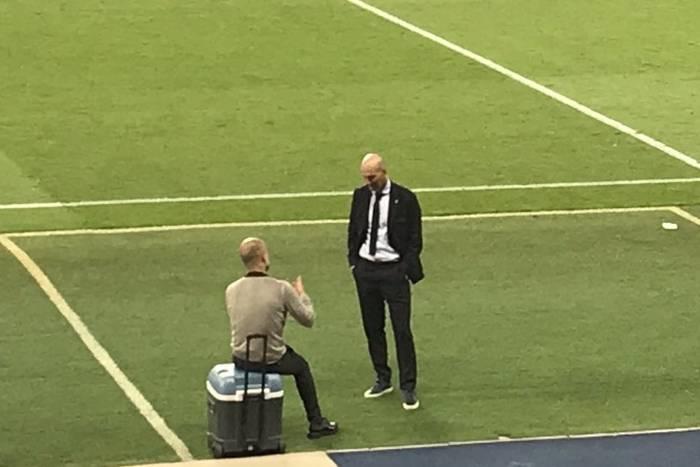 """Pep Guardiola zdradził, o czym rozmawiał z Zidanem po meczu Ligi Mistrzów. """"Pogratulowałem mu wygranej"""""""