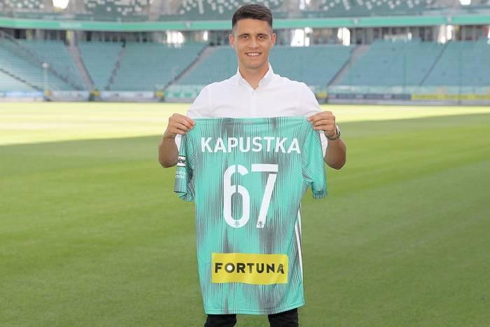 Bartosz Kapustka podpisał kontrakt! Legia Warszawa potwierdza transferowy hit