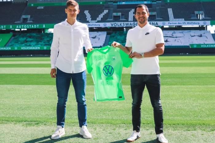 Bartosz Białek wybrany piłkarzem meczu. Wpadka VfL Wolfsburg w mediach społecznościowych