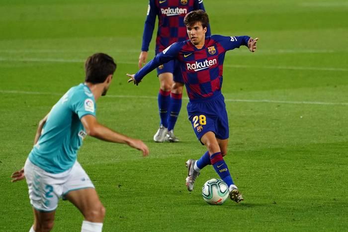 """Ronald Koeman wyjaśnił sytuację Riquiego Puiga. """"On ma przyszłość w FC Barcelonie"""""""