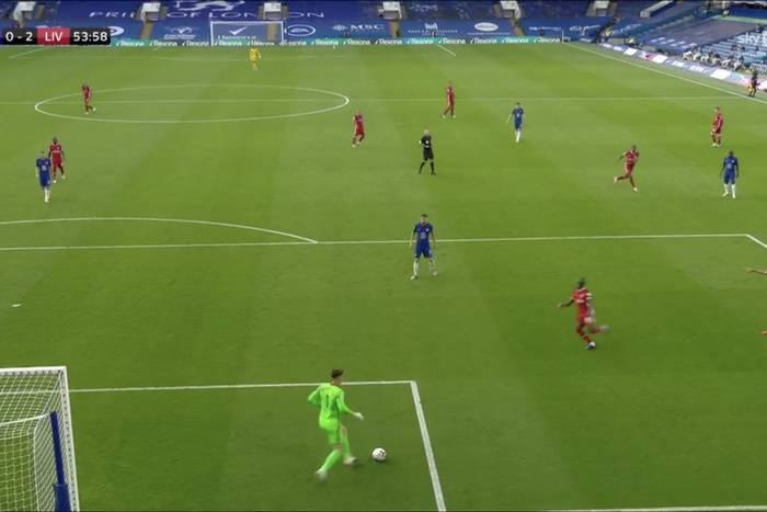 """Fatalny błąd Kepy Arrizabalagi w meczu z Liverpoolem. """"Nie ma na świecie gorszego bramkarza"""" [WIDEO]"""