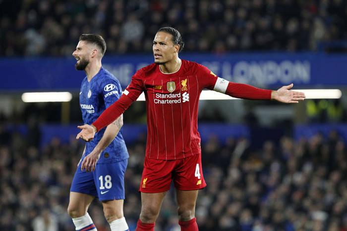 Kontuzja Virgila van Dijka bardzo poważna. W tym sezonie może już nie zagrać w Liverpoolu