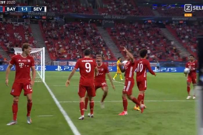 Bayern Monachium wygrał z Sevillą. Robert Lewandowski z Superpucharem UEFA! [WIDEO]